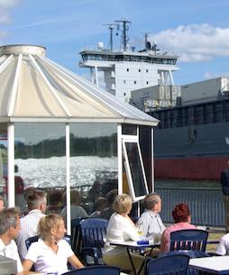 Hotel Bess Albersdorf | Nord-Ostsee-Kanal (NOK) | Schiffsbegrüßungsanlage Rendsburg