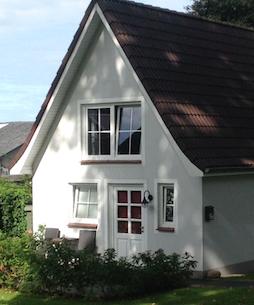 Hotel Bess Albersdorf | Ferienhaus | Anklicken oder -tippen öffnet einen internen Link zu Informationen und Impressionen im aktuellen Fenster.