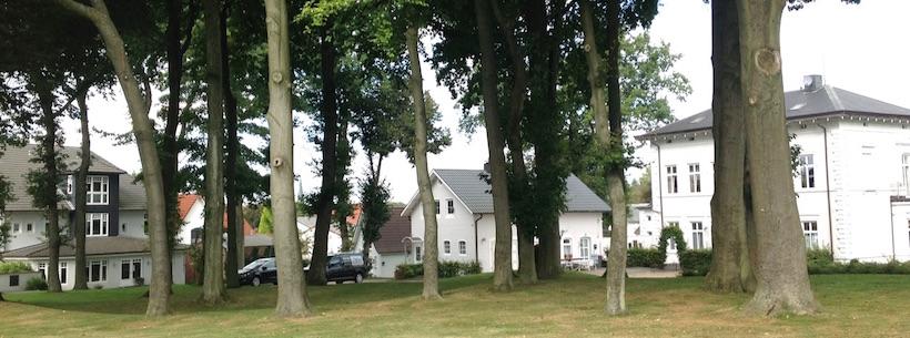 Hotel Bess Albersdorf | Ein- und Zweibettzimmer im Haupthaus | Ferienwohnungen im Ferienhaus, Kutscherhaus und Herrenhaus